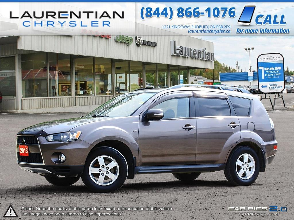 Pre-Owned 2013 Mitsubishi Outlander LS- 4WD!! BLUETOOTH!! BACKUP CAM!!